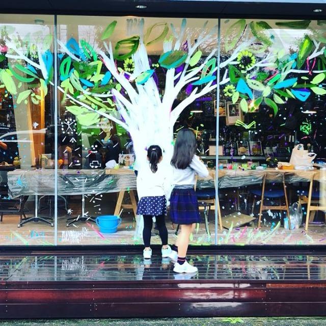 【臨時休業】のお知らせ。本日、11/30(木)は、誠に勝手ながらcafe営業は臨時休業とさせていただきます。 本のご返却は、受付しております。
