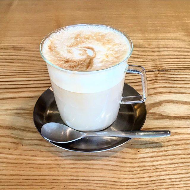本日8:00-10:00 「朝カフェ」開店します。 お出かけ前に是非いらしてください。 今月も朝霧ヨーグル豚を使ったホットサンドをご用意しております。