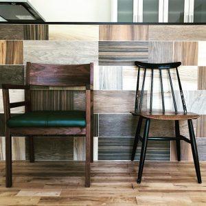 チェア納品事例。 気に入った椅子をそれぞれに。 フィンランドのヴィンテージチェア「ファネットチェア」&100年後のアンティーク家具へマスターウォールの「グレイズアームチェア」