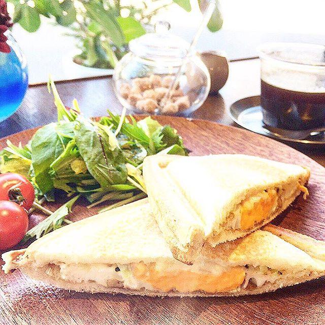 明日8:00-10:00はアルタナカフェ 「朝カフェ」 の日! アルタナカフェ月に1度の朝カフェ営業日! 朝カフェではランチメニューにないホットサンドと厚切りトーストに6種類の味が楽しめるジャムパレードをお召し上がりいただけます(^^) 10:00-17:00までは通常営業となります。