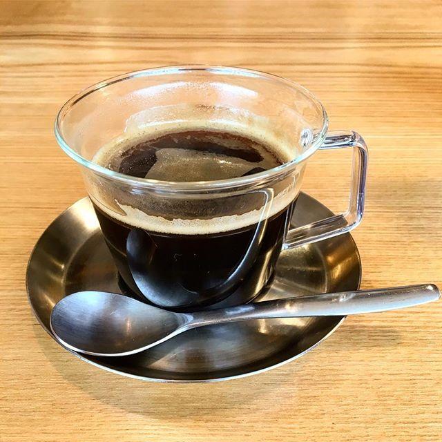 11月26日(日)8:30-10:00はアルタナカフェ朝カフェの日 ホットサンドにドリンクがついてワンコインでお愉しみいただけます。 お出かけ前の朝食にいかがですか? モーニングメニューはたくさんの具材をはさんだホットサンドプレート! ●ヨーグル豚ベーコンのホットサンド ●チョコバナナホットサンド の2種類をご用意してお待ちしております(^^)