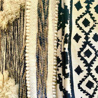 【ラグ新入荷!】 . 個性的な柄でリビングを彩る。 多彩なデザインのラグを入荷しました。 . ◆RugRu ラグ 140×200cm ¥18,000+tax〜¥34,000+tax material:cotton/wo