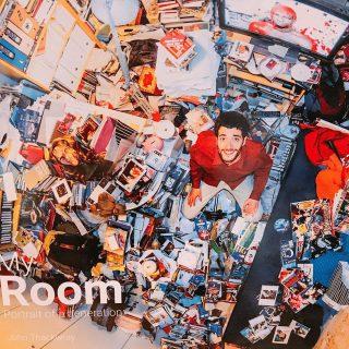 世界中の様々な人の部屋を真上から撮影した写真集!