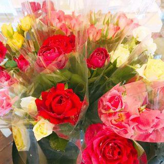 6月2日(日)9:00-15:00にアルタナカフェにて開催する 「テーブルマーケット」 大井川の花農家さんから直送の花も販売します