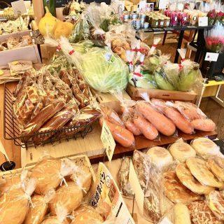 アルタナカフェにて開催するテーブルマーケットまであと5日! 今回は焼津の温泉美人トマトも販売する予定です また本日5月28日は3と8がつく日(サバの日)限定のオイルサバディンのパスタの日! 燻製(スモーク)で旨味を凝縮したオイルサバディンのパスタをこの機会にぜひお召し上がりください