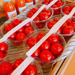 温泉美人トマトも届きました。 温泉水で育てたトマトはミネラル豊富で旨みコクがあるのが特徴です。そのままでもお料理にも幅広くお使いいただけますよ
