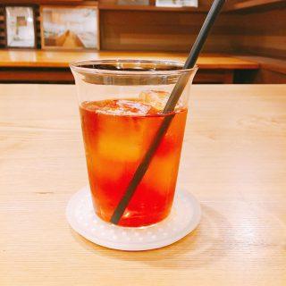 アルタナカフェのアイスティーはteteriaの紅茶ニルギリを使用しています^_^ クセがなくアイス・ホット共に飲みやすいやわらかな風味の紅茶でおススメですよ 本日は11時からの営業となります。