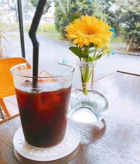 ダブルでおとしたエスプレッソに氷を入れて作るアイスコーヒー! 酸味が少なくスッキリ飲みやすいので食事中にはもちろん、食後にもオススメです