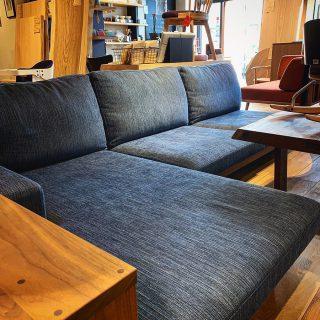 ︎ 静岡にマスターウォールがやってきます! MASTERWAL ロードショー静岡 10/5(土)・6(日)・7(月) 各日10時〜19時 会場;ツインメッセ静岡西館1F 当店でも人気のマスターウォールは、高品質なウォールナット材とシンプルなデザインで長くお使いいただけるしっかりとした造りの岡山県発国産家具メーカー。 この10月の3日間、ツインメッセ静岡の会場に人気のアイテムを多数展示!マスターウォールの世界をご体感いただけます! この機会にぜひ、ご覧になってください。 ご興味のある方は当店よりご招待状をお渡しいたします。 DMもしくは、TEL 0545-51-8700までお気軽にお問い合わせください。 ︎ 本日9/6(金)11:00〜17:00オープンいたします。