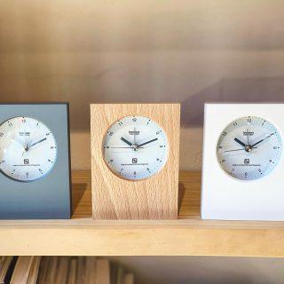 ︎ シンプルでコンパクトな置き時計。 アラーム機能付きなので、目覚ましにも使えます レムノス mini 4,500円+税 11/29(金)本日17時まで営業中!