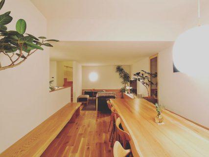 アルタナの別荘 @bessoaltana 12/14sat.オープン。 ハナレアルタナ取扱い家具でリアルコーディネート。 家具をご検討の方も是非ご来場ください! ↓ ↓ ↓ ↓ #家具