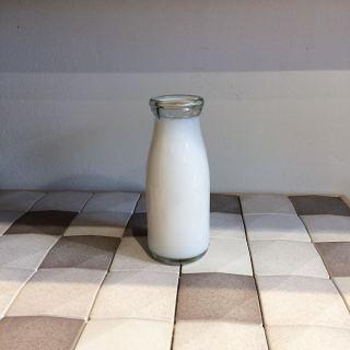 ︎ 牛乳🐄⁇ … ではありません。 牛乳瓶に入った消臭芳香剤です。 優しい香りなので、強い香りが苦手な方や、トイレなど狭いお部屋への設置にオススメです。 ・ 香りは和をイメージした5種類 緑茶 さくら ゆず 大和撫子 天竺葵 ・ 【中川政七商店】 牛乳瓶に入った消臭芳香剤 各 ¥1.000+税 ・ 本日2/3(月) 17:00まで営業しております。 ・