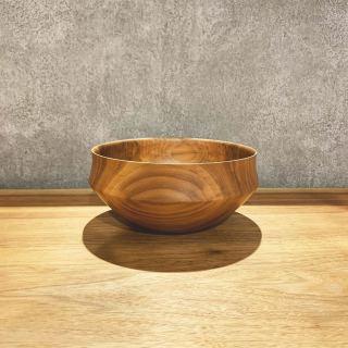 ︎ 展覧会最終日!/ 3/1(日)本日、小端吾郎さん @kobashi_urushikougei 在廊日です。 「木と土、ふたりの造形」を存分にご堪能ください。 MUKU ten.×器のしつらえ展  Table3.「暮らしに花器を。」 木と土、ふたりの造形 ー 小端吾郎 と 藤井ノゾミー @besso_altana インテリアショップHANARE ALTANAプロデュースの企画展第3弾を富士市富士見台のBesso ALTANAモデルハウス「HIBIKI the MIRAI」にて開催中! 無垢一枚板テーブル のある暮らしにしつらえる、「花器」。 静岡県を拠点に活動する木工作家・小端吾郎 @kobashi_urushikougei と陶芸作家・藤井ノゾミ @nozomifuji の二人展を開催いたします。 モデルハウスの部屋にしつらえた、暮らしに溶け込む花器を中心に。 木と土…自然素材の魅力を生かし、引き出しながら、独自のフォルムを生み出すふたりの造形にご注目ください。