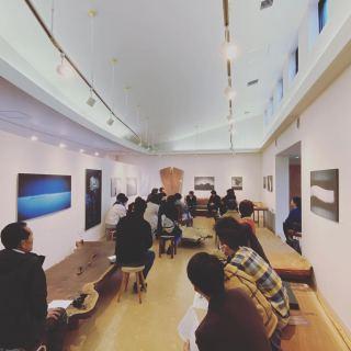 2日間のアートと家具の競演企画展 沢山のご来場および、作品、一枚板のご購入誠にありがとうございました! アート作品と一枚板は、唯一無二。一期一会の出会いと同じですね。 岡部さんの作品とMUKUten家具で 室礼をお愉しみください。 @hanare_altana 出張企画展は、定期的に開催して行きます! 一期一会の出会いを探しにいらしてください!