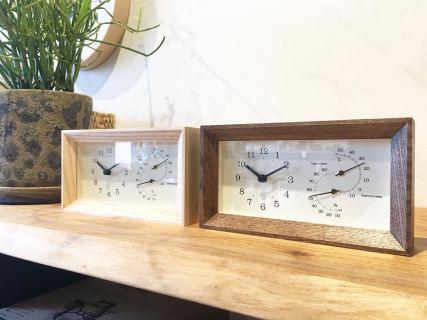 ︎ もうすぐ6月。. . 梅雨を迎え、夏へ向かう時期がやってきますね。. . 温湿度計が付いた時計は、 お部屋の除湿目安に便利。. . シンプルな木枠は、 自然な風合いを残したオイル塗装です。. . 【Lemnos】. FRAME(温湿度計付). ¥6,500+税. . 本日11:00〜17:00で営業しております。. . 只今入店可能です!. . フリーでご来店の際にはお待ちいただく場合がございます。空いていれば1組ずつのご案内をさせていただきます。 家具打合せのご来店は、スムーズなご案内の為、ご予約をおすすめいたします?♀️ ・ ・ 感染症予防対策の為、何卒ご理解、ご協力のほどよろしくお願い申し上げます。 #インテリアショップ