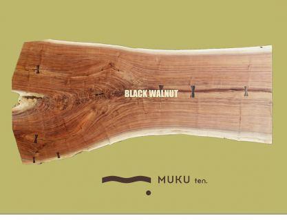 ︎ 【店内MUKU ten.のご紹介】. ブラックウォールナット. . 独特な茶褐色が人気。. . 特有の美しい杢目が現れ、枝分かれ部分の表情が愉しめるワイルドな一枚です。. . 6人掛けダイニングテーブルにおすすめ。. . W2,170×D690〜1,160×T30mm. . ※価格はお電話0545-51-8700もしくは、DMにて問い合わせください。. . ※写真は無塗装。クリア塗装後は濡れ色に変化します。. . ※脚は木製、スチール、テーブル用、座卓用各種ございます。. . 明日6/15(月)は11:00〜17:00でオープン致します。. . 【6/15(月)予約可能時間帯】 ※6/14(日)現時点. ①11:00〜12:30 ②13:00〜14:30 ③15:00〜16:30 ・ フリーでご来店の際にはお待ちいただく場合がございます。空いていれば1組ずつのご案内をさせていただきます。 家具打合せのご来店は、スムーズなご案内の為、ご予約をおすすめいたします🏻♀️ ・